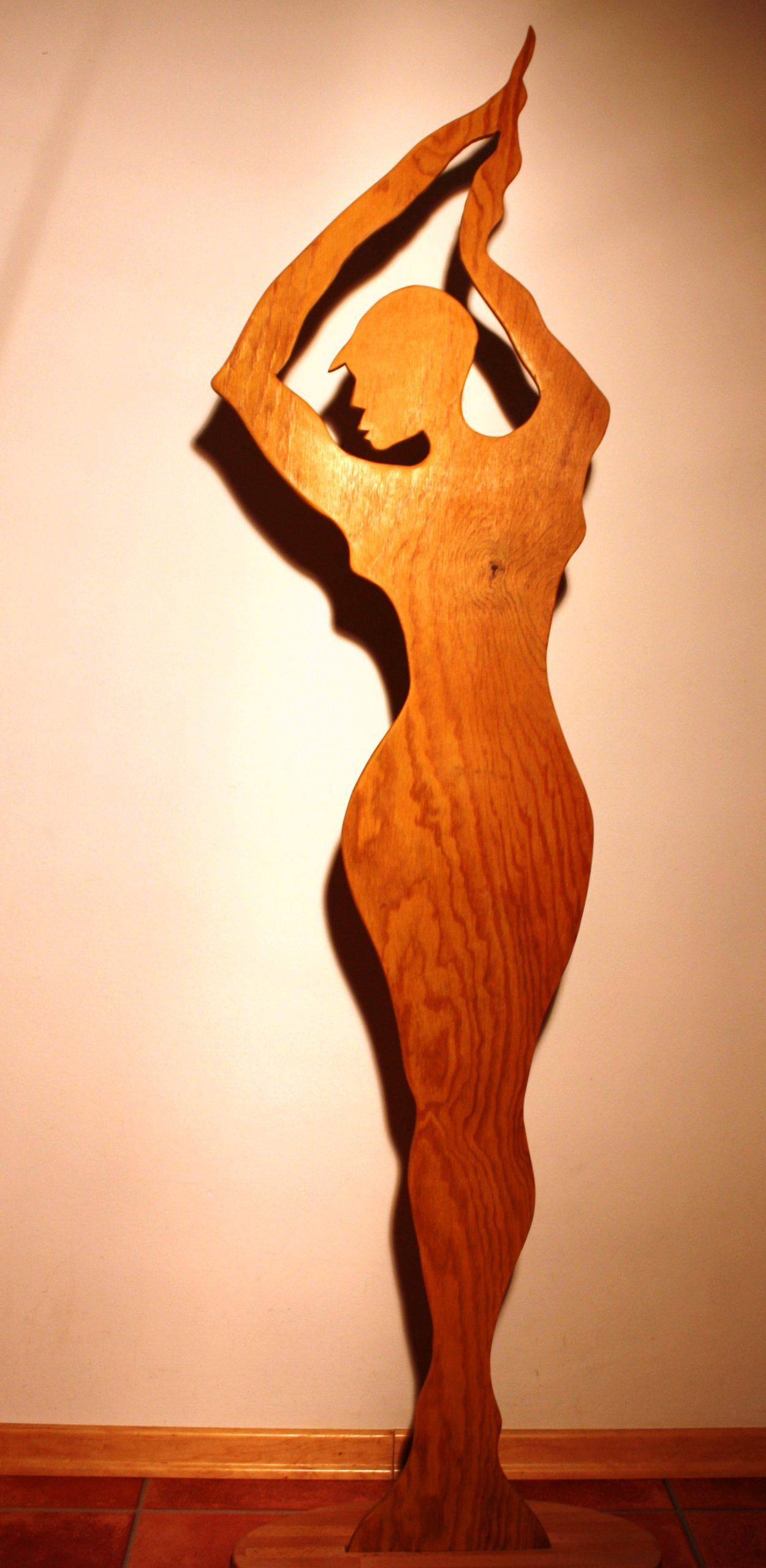 Brettfrau aus Holz, 2010